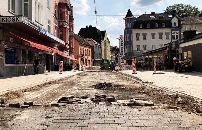 Blick in die gesperrte Lange Straße am Wilhelmsplatz.