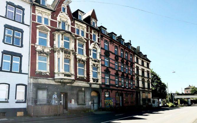 Häuserzeile an der Wehringhauser Straße