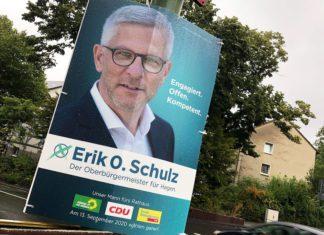 Wahlplakat im Regen