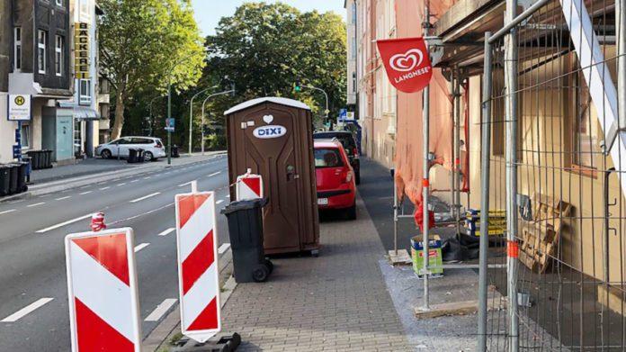 Dixiklo steht an der Eugen-Richter-Straße