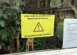 Schild im Fenster